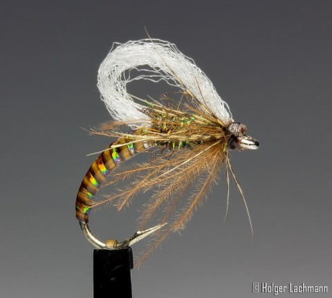 Fancy Loop Wing Emerger - tied by Holger Lachmann